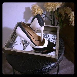 L.A.M.B. Heels Size 6